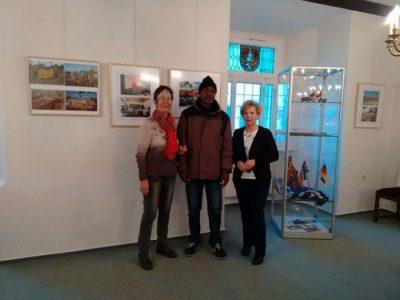 Besuch der Fotoaustellung Frau Hoheisel und Frau Schwarzbach