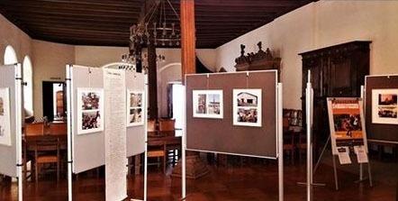 Unsere Fotoausstellung 'Karibu' im Ratssaal des Altenburger Rathauses.