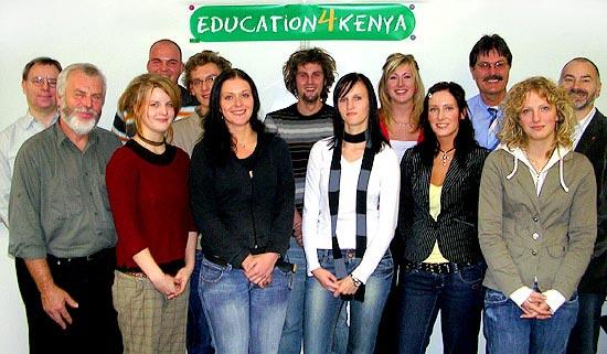 Gruppenfoto der Vereinsmitglieder von education4kenya