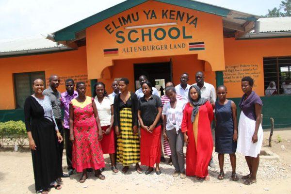 Lehrerkollegium in Kenya